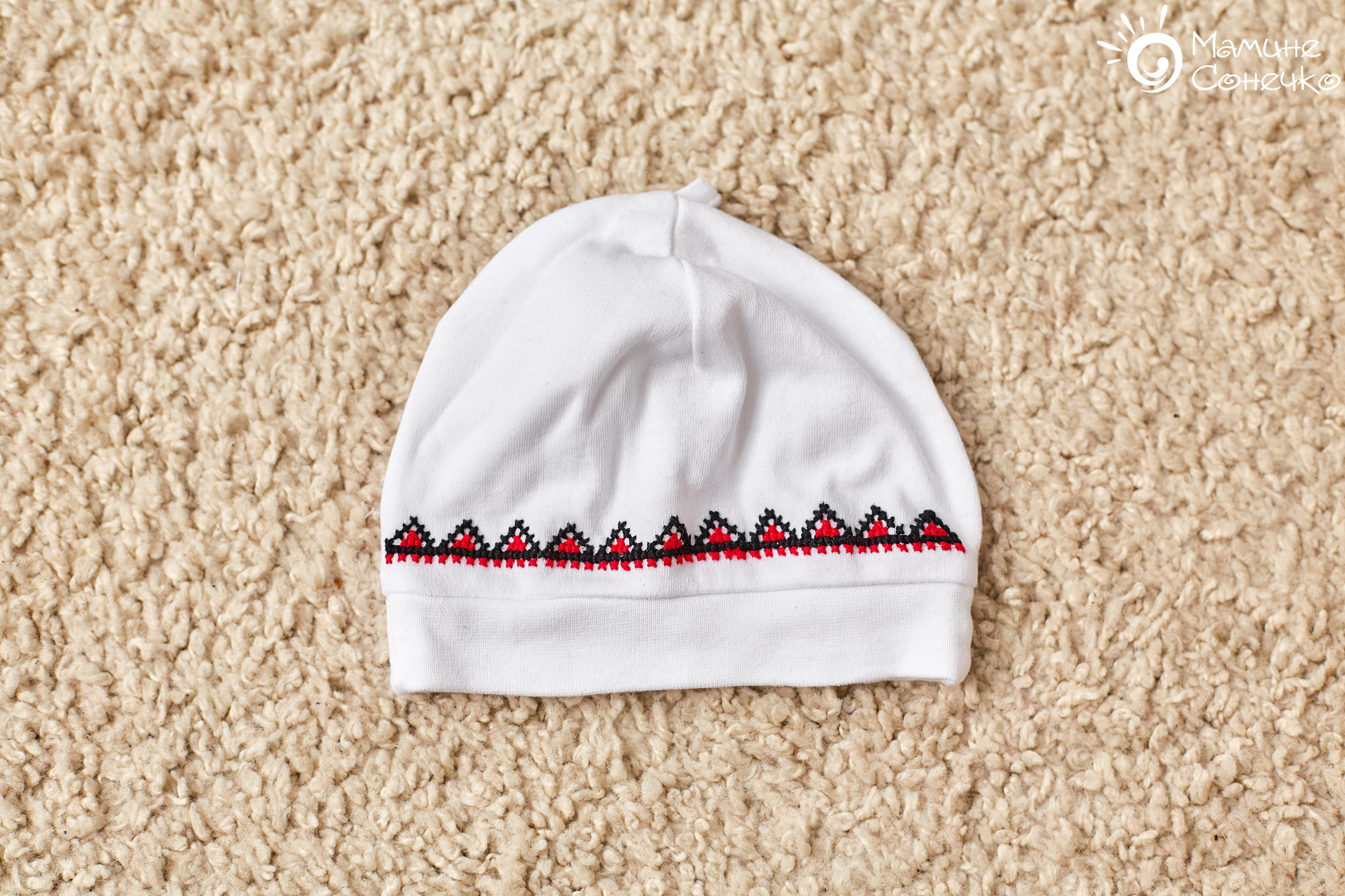 шапка вишита трикотажна