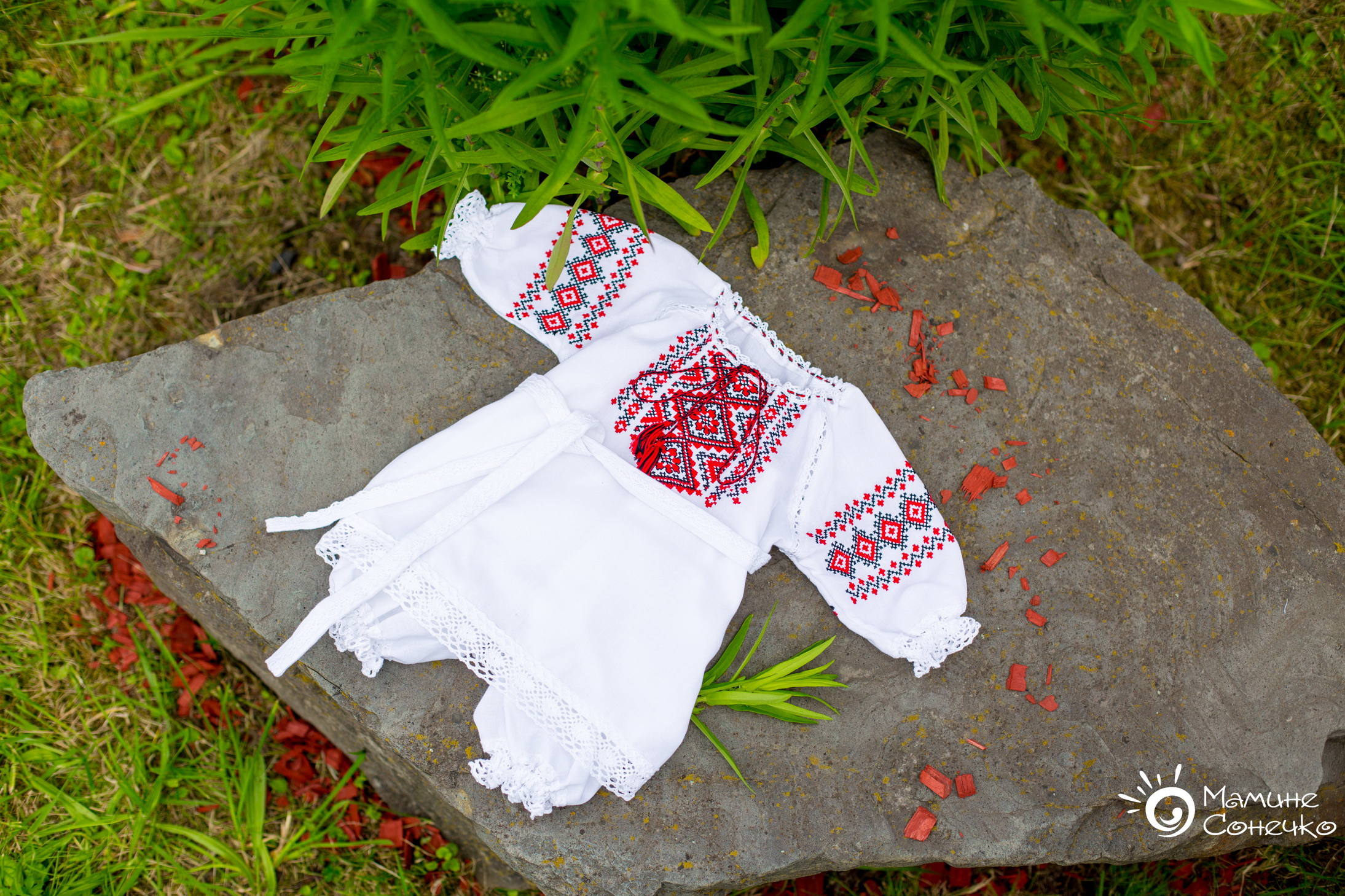 вишита сукня на хрестини для дівчинки
